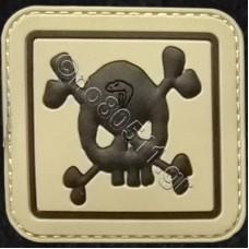 Skull & Bones, Αυτοκόλλητο Σήμα από PVC (Μπεζ-Μαύρο)